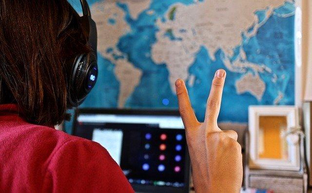 Factors that determine a successful distance education program